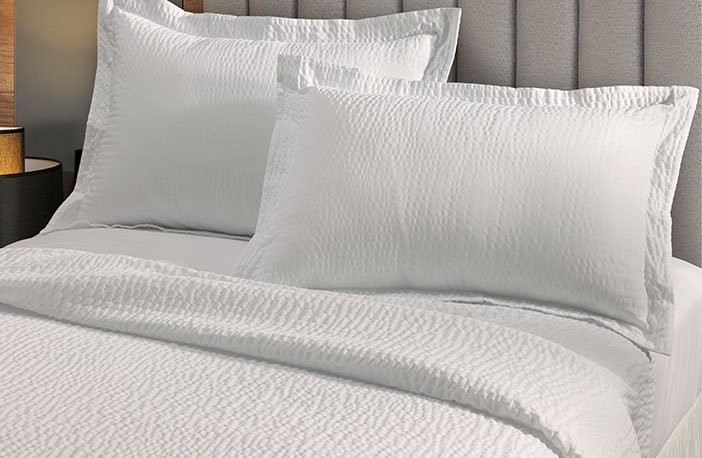 Courtyard By Marriott Bed Bedding Set Hotel Quality Linens Pillows Duvetore